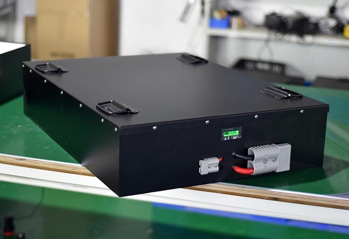 Batteria agli ioni di litio lifepo4 48 v 200Ah per il solare auto elettrica