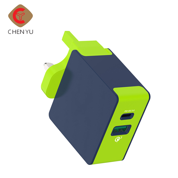 Wholesale portable 5v 3a usb wall charger Type C + USB power bank for mobile phone