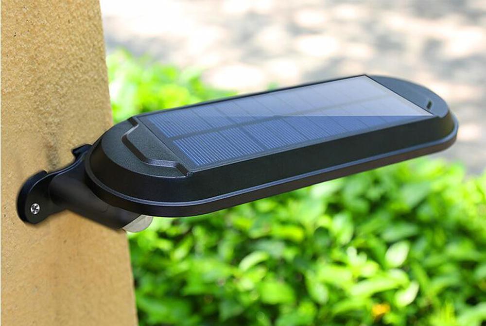 Outdoor 18 LED Security Solar Motion Sensor Lights 600lm Wireless Waterproof