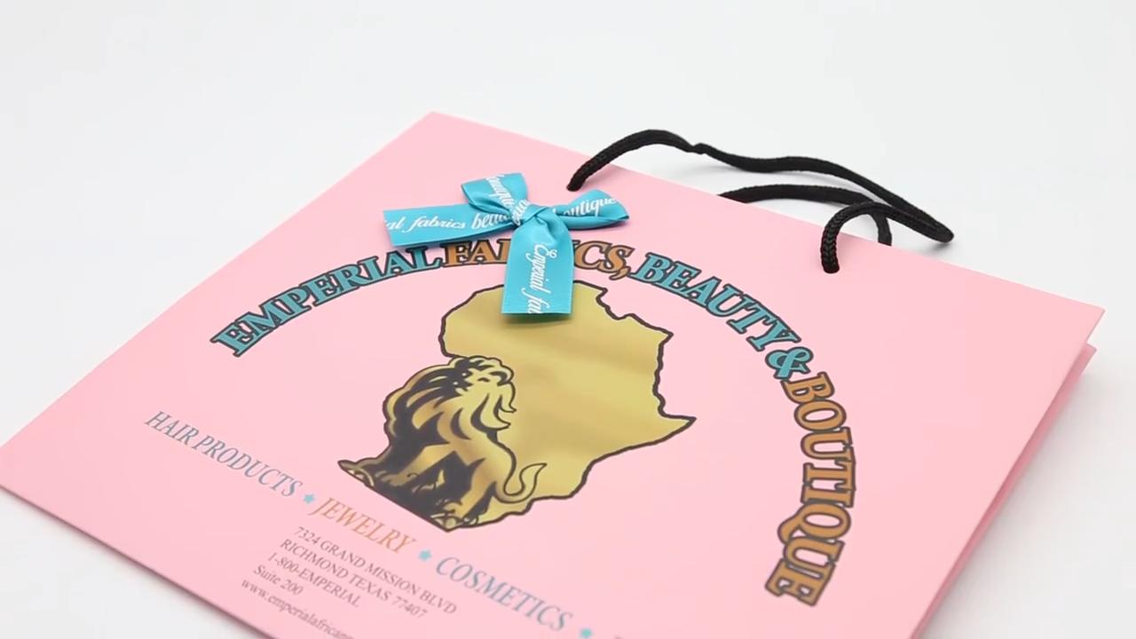 Özel logolu kağıt alışveriş çantası özelleştirilmiş kağıt torba pp kolu ile