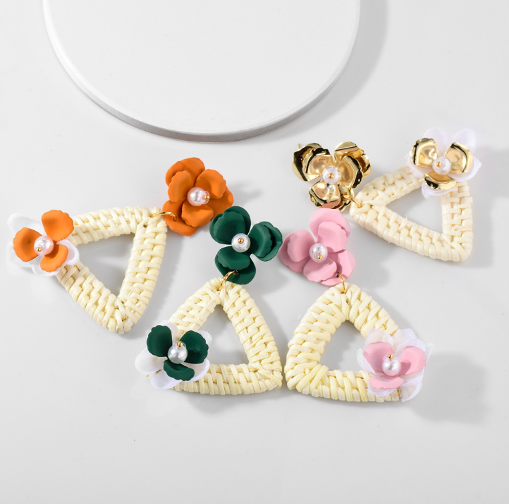Europeo e Americano boucle d' oreille orecchini multi-color fiori dipinti rattan orecchini di goccia triangolo orecchini