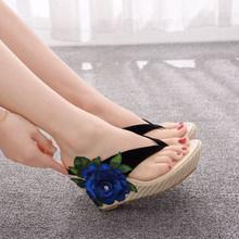 Дамы Цветочные Шлепанцы Женская Мода Тапочки Клинья Обувь Женская женская Удобные Квадратные Каблуки 2020 Новый Стиль Плюс Размер(Китай)