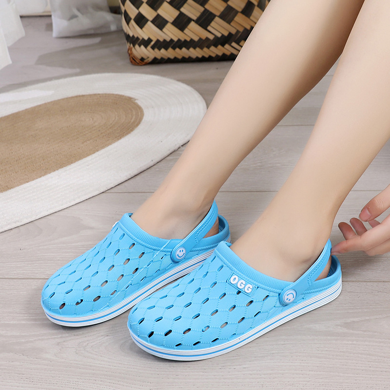 Summer new ladies beach casual shoes  garden sandals perforated breathable non-slip men sandals wholesale cool wholesaleslippers