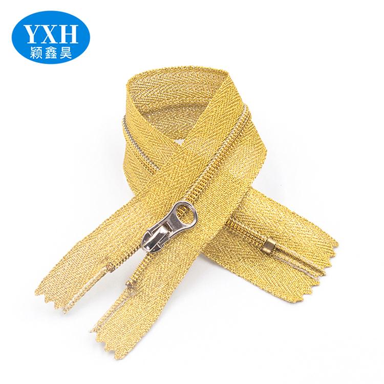Factories manufacture custom high quality gold teeth nylon plastic zipper tape long chain zipper roll