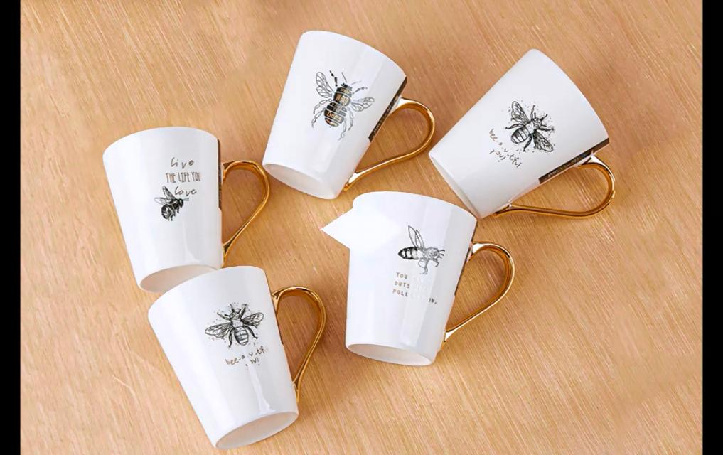 Großhandel personal isierte einzigartige Mutter Papa Freund Geschenk 11oz Biene Design Porzellan weiß benutzer definierte vergoldete Griff Kaffeetasse Keramik