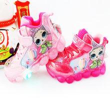 LOL Surprise Dolls светодиодный мигающий свет женская спортивная обувь для девочек с милым рисунком из мультфильма PU детская Нескользящая спортивн...(Китай)