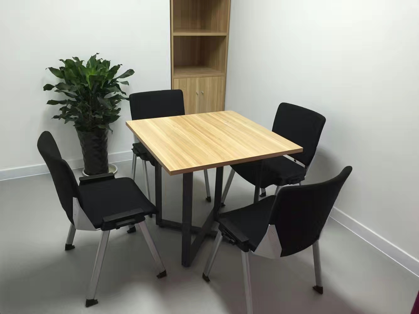cheap stackable chair for meeting room