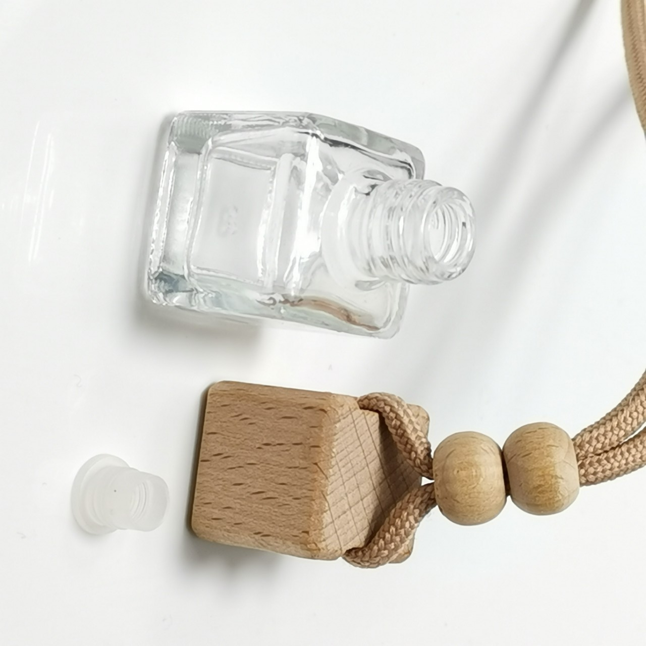 Hanging Car Perfume Bottle Diffuser Pendant Square Shape Empty Glass Bottle Air Freshener With Beech Wood Lid