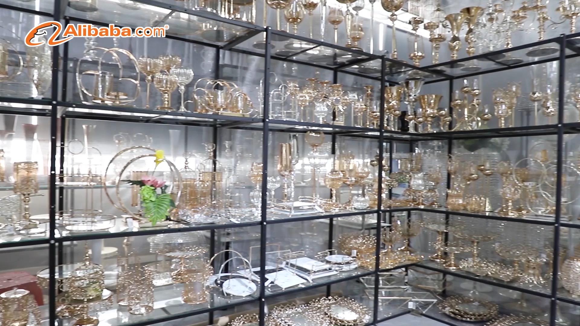 Nuevo moderno cono forma lotus de vidrio quemador de incienso con soporte de metal