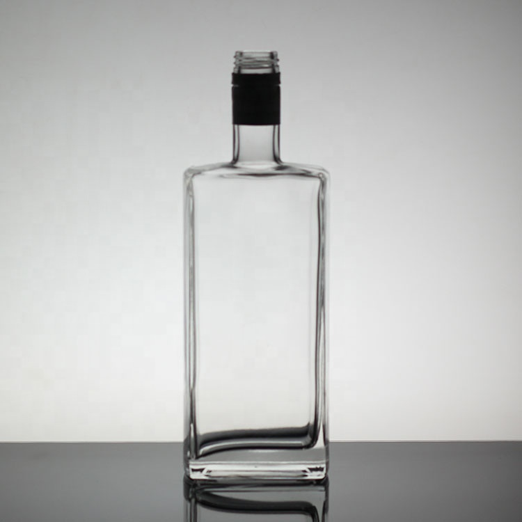 Plaza de Whisky botella de vidrio botella de rectángulo de licor de vidrio de lujo botella de Vodka 500ml 700ml