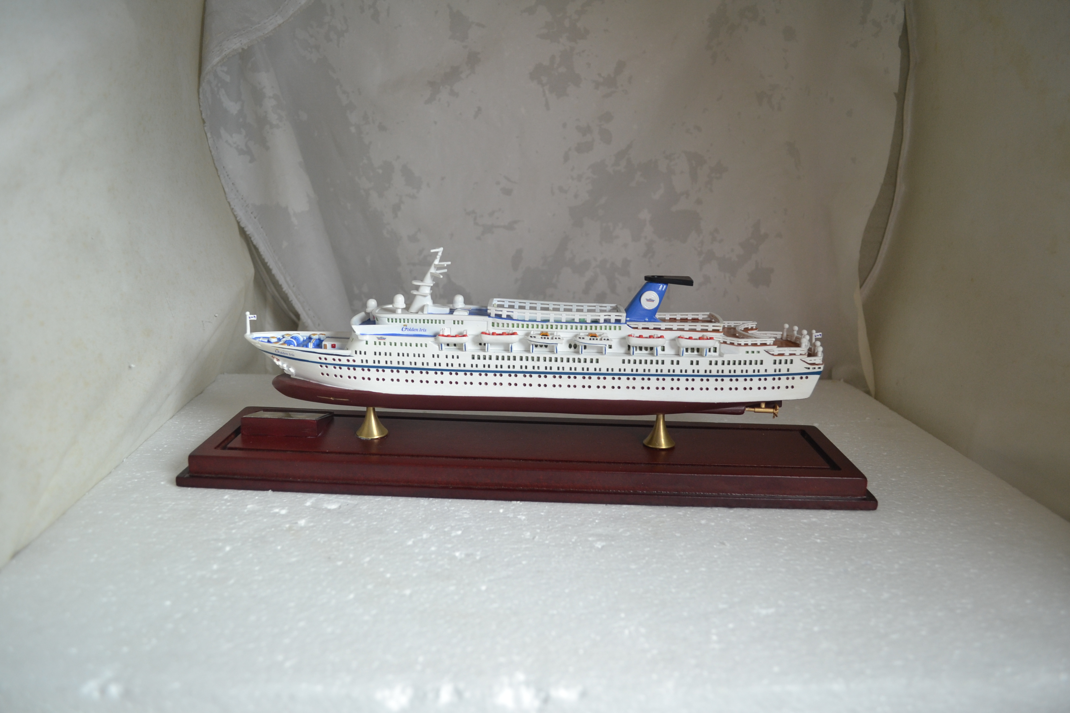 Wholesale resin ship model vessel statue boat sculpture collection