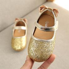 2020 блестящие кожаные модельные туфли для девочек детская повседневная обувь на плоской подошве с бантом сзади; цвет розовый, серебристый, з...(Китай)