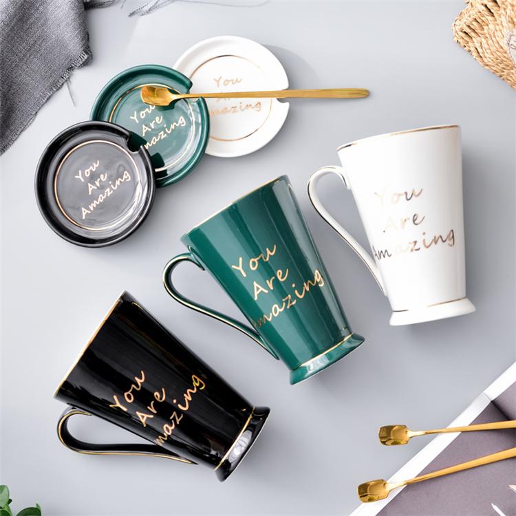 Maison produits glaçure de couleur personnalisé imprimé or jante porcelaine thé tasse à café avec cuillère et couvercle