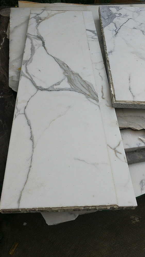 Natural Calacatta Gold Marble White Aluminated Laminate Decorative Wall Tiles 600mmx600mm