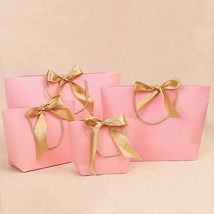 Customized Gold Handle Paper Tote Shopping Bags For Pajamas Clothes