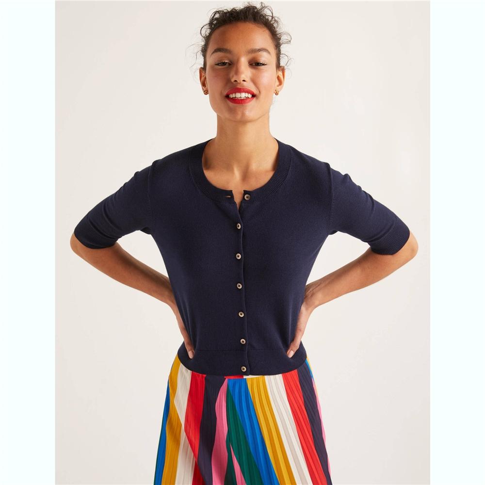 Vente chaude femmes court cardigan d'été dames tricoté pull de style coréen pour femmes en gros