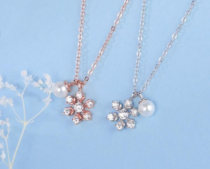 Christmas Gift For Girl-friend Plated 18K Gold Jewelry Cubic Zircon Pearl 925 Sterling Silver Snowflake Necklace