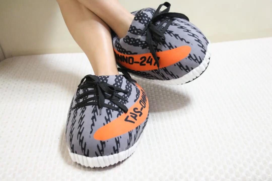 De moda adulto invierno diapositivas sandalias lindo cálido divertido Fluffy Yeezy de zapatillas Zapatillas para hombre y mujer