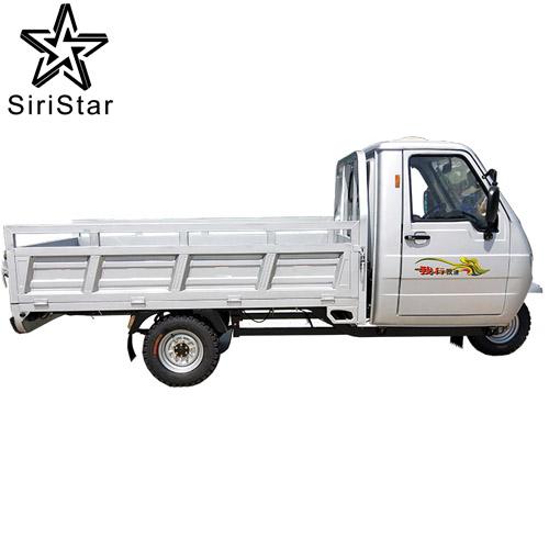 Nouvelle batterie Rechargeable Cargo Tricycle électrique avec cabine bajaj E pousse-pousse prix avec cabine