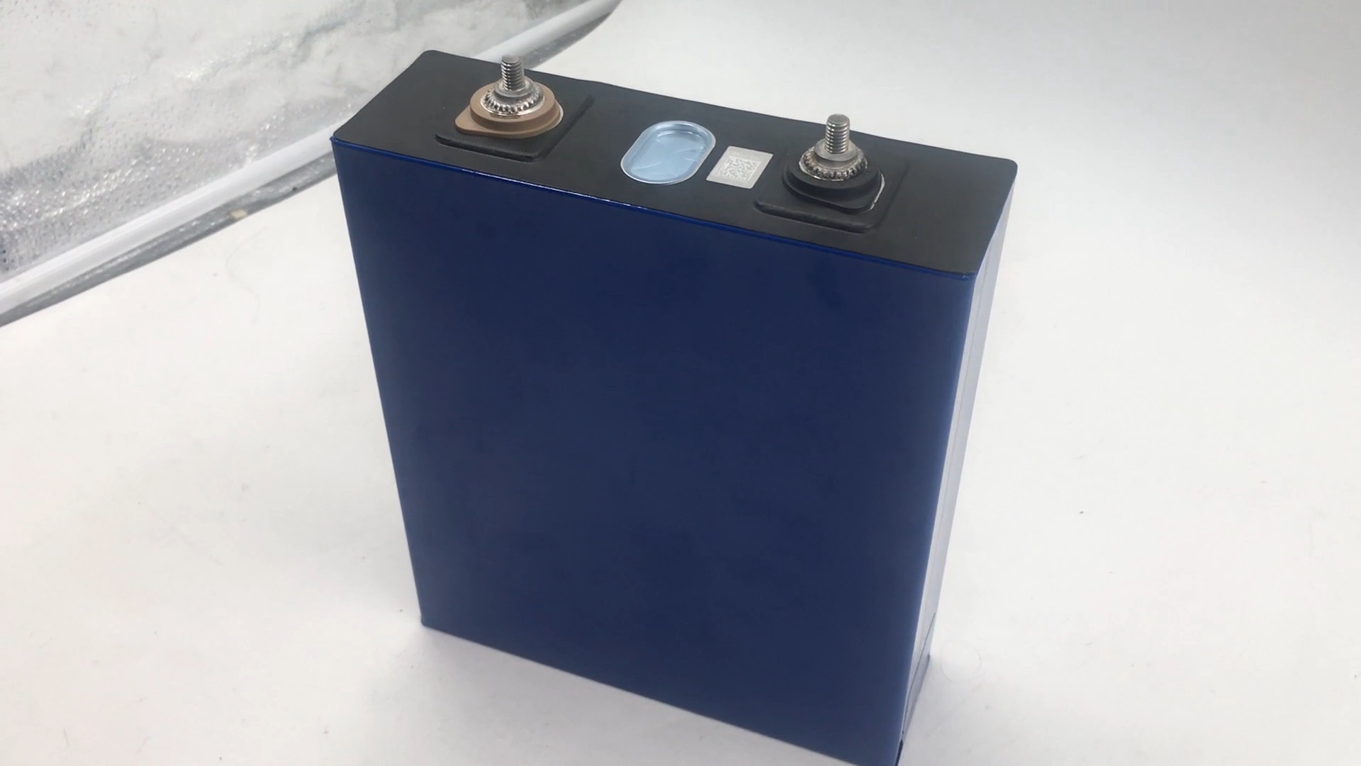 Prismatic lifepo4 battery 3.2v cell 200ah for solar energy system and electric vehicles