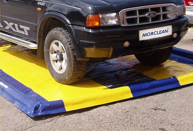 Inflatable Car Wash Mat, Inflatable Car Water  Foam Berm Collector Containment Mat