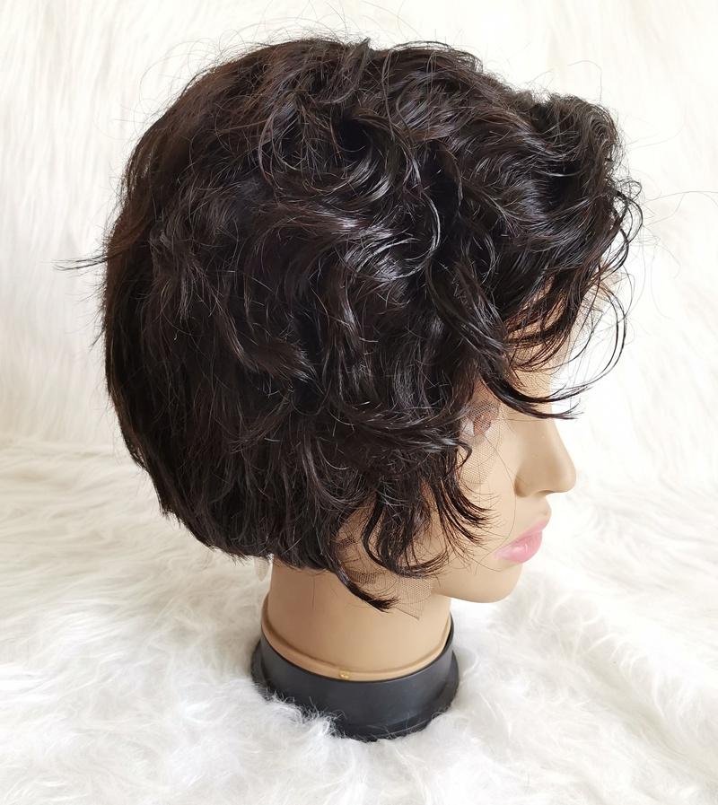 Photo coupe courte cheveux boucle