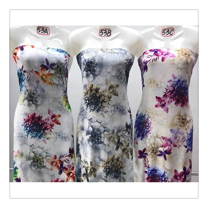 Make To Order Viscose Challis Fabric Floral Printed Fashion Design Garment Fabric