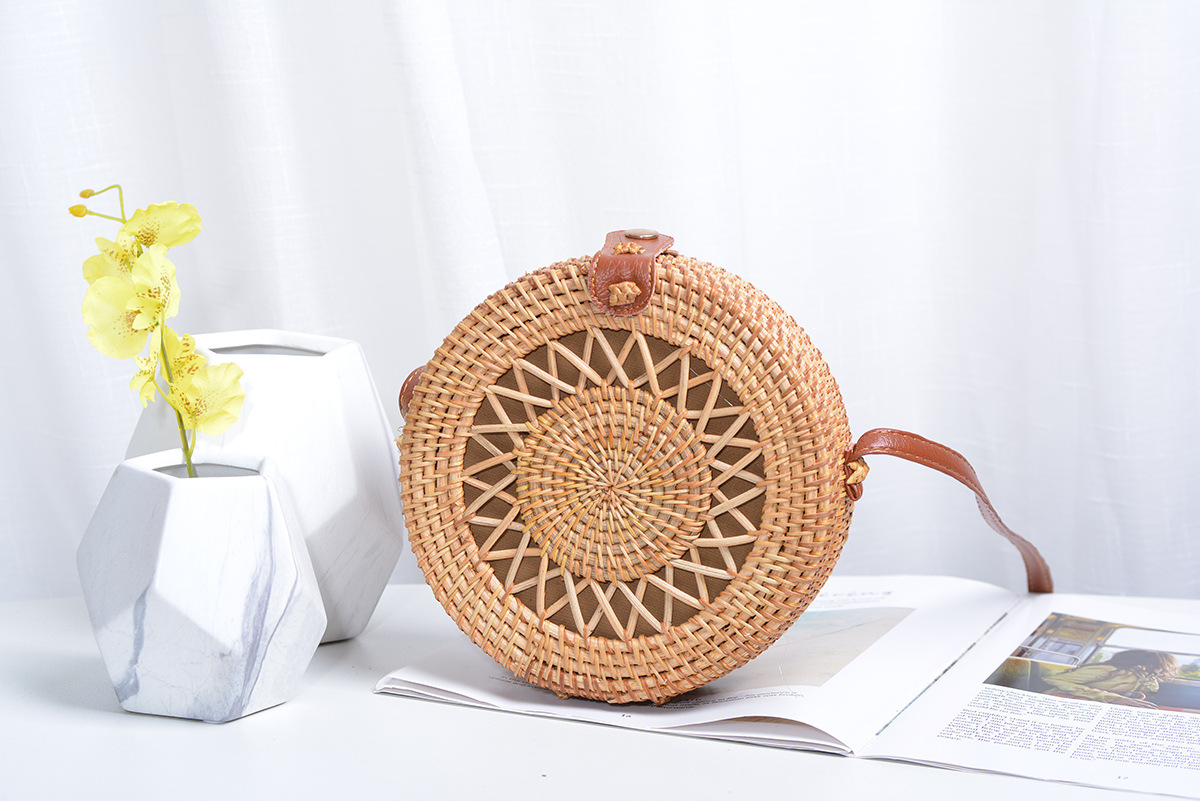 Vietnam Bali Thailand handmade rattan hollow five-pointed star 18*8PU leather buckle bag