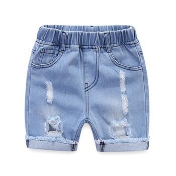 Shorts Vaqueros Aislados Modernos Pantalones Cortos De Estilo Jeans Con Cinta Blanca Para Nino Chico Aislado Sobre Un Fondo Blanco Pantalones Cortos