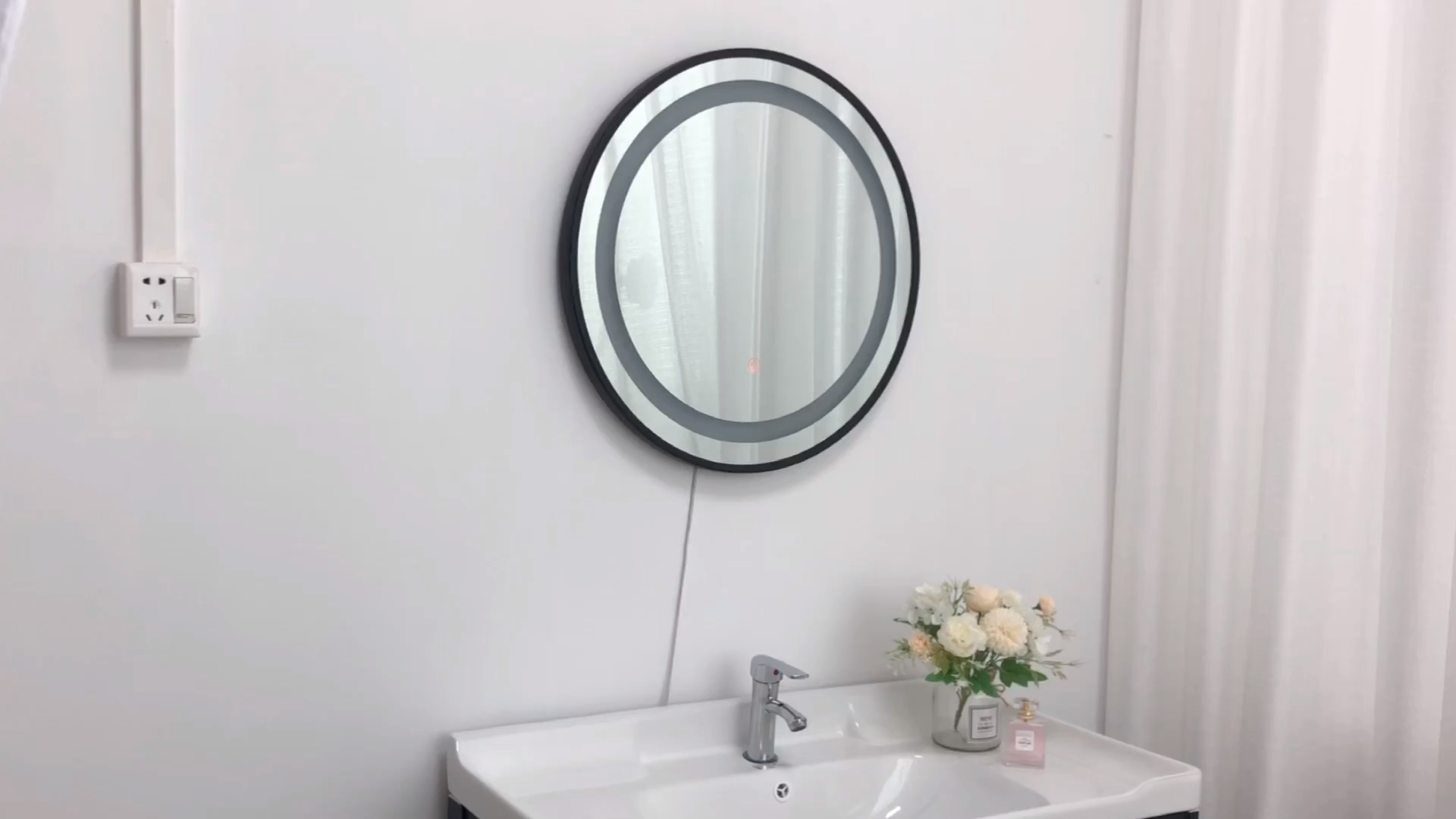 Led illuminated bathroom mirror light intelligent anti-fog touch switch frameless bathroom mirror wall hanging hotel custom