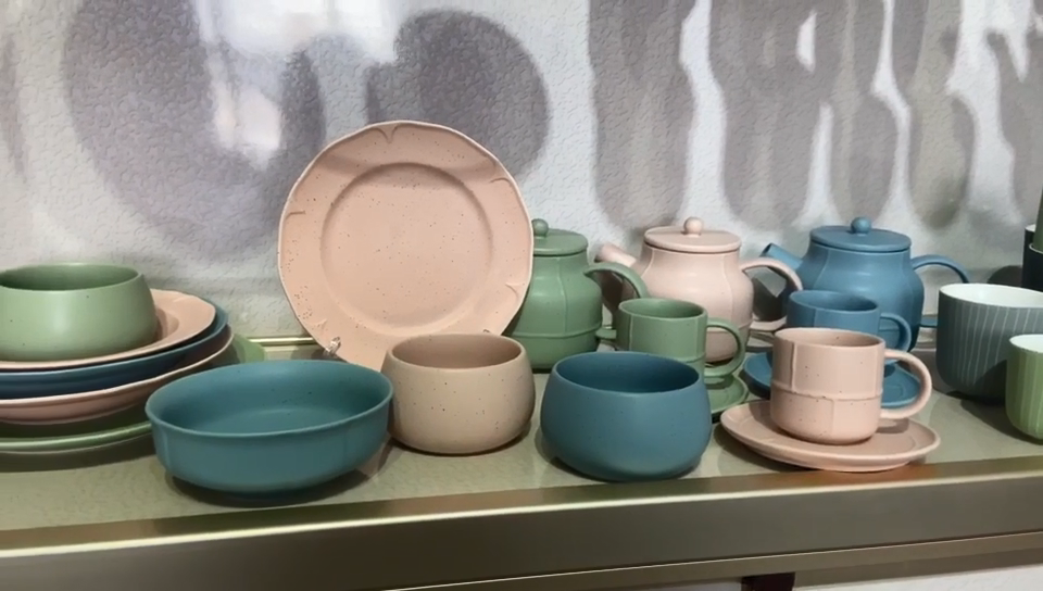 Wholesale green glaze stoneware teapot ceramic tea pot from chinese factory