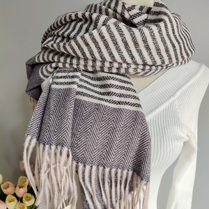 2019 Newest Hot Sale Scarf Women Horizontal Stripe Design Yarn Dyed Long Size Good Quality Women Winter Scarf