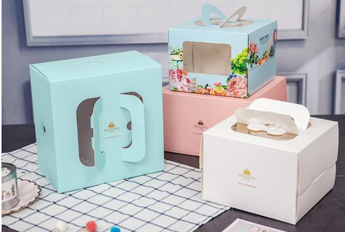 창을 가진 호화스러운 백색 주문 물결 모양 케이크 상자 투명한 뚜껑 광택