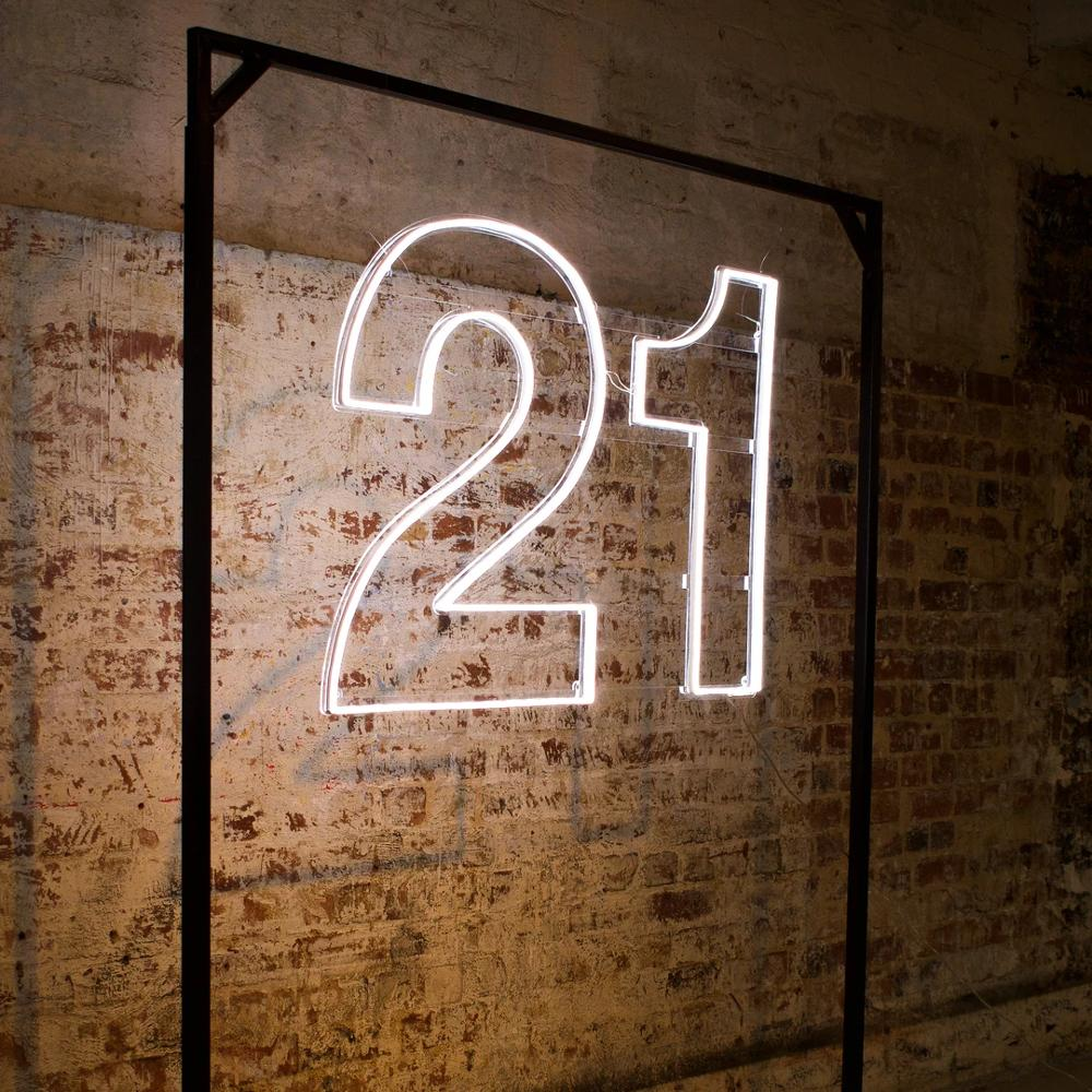 Interior decorative neon number party sign custom design led neon light for 21st birthday