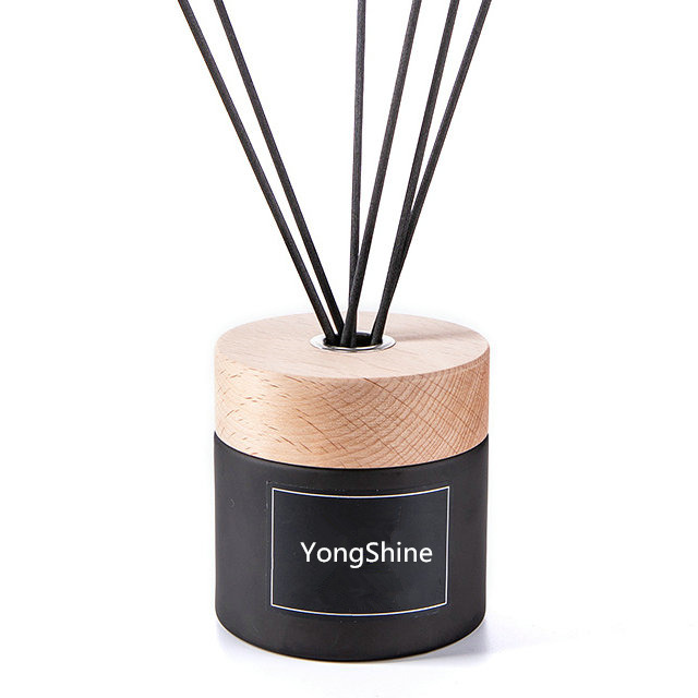 wholesale frosted black air fresheners perfume reed diffuser glass bottles with wood screw cap
