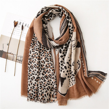 Wholesale 2020 popular women wrap scarf fashion large tigers and leopard scarf animal print