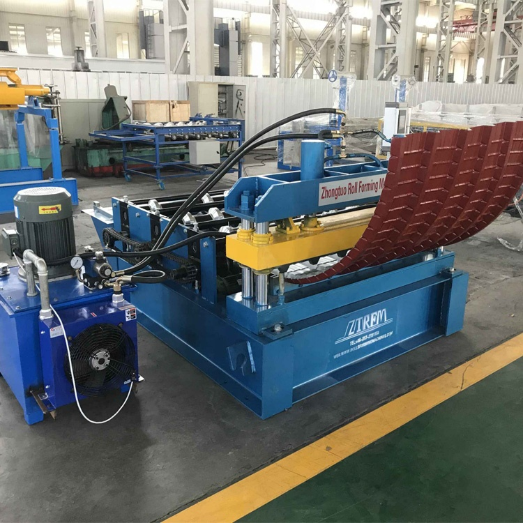 Roof system automatic arched crimp curving machine