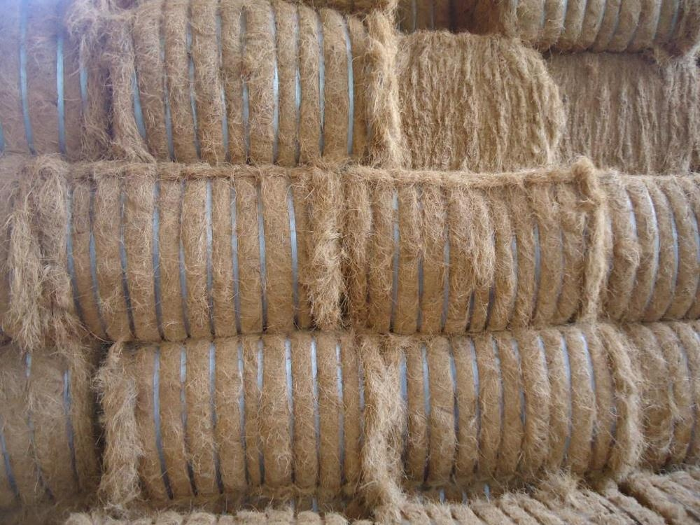 HOT SELLING ECO FRIENDLY HIGH QUALITY COCONUT FIBER - COIR MAT - COIR ROPE