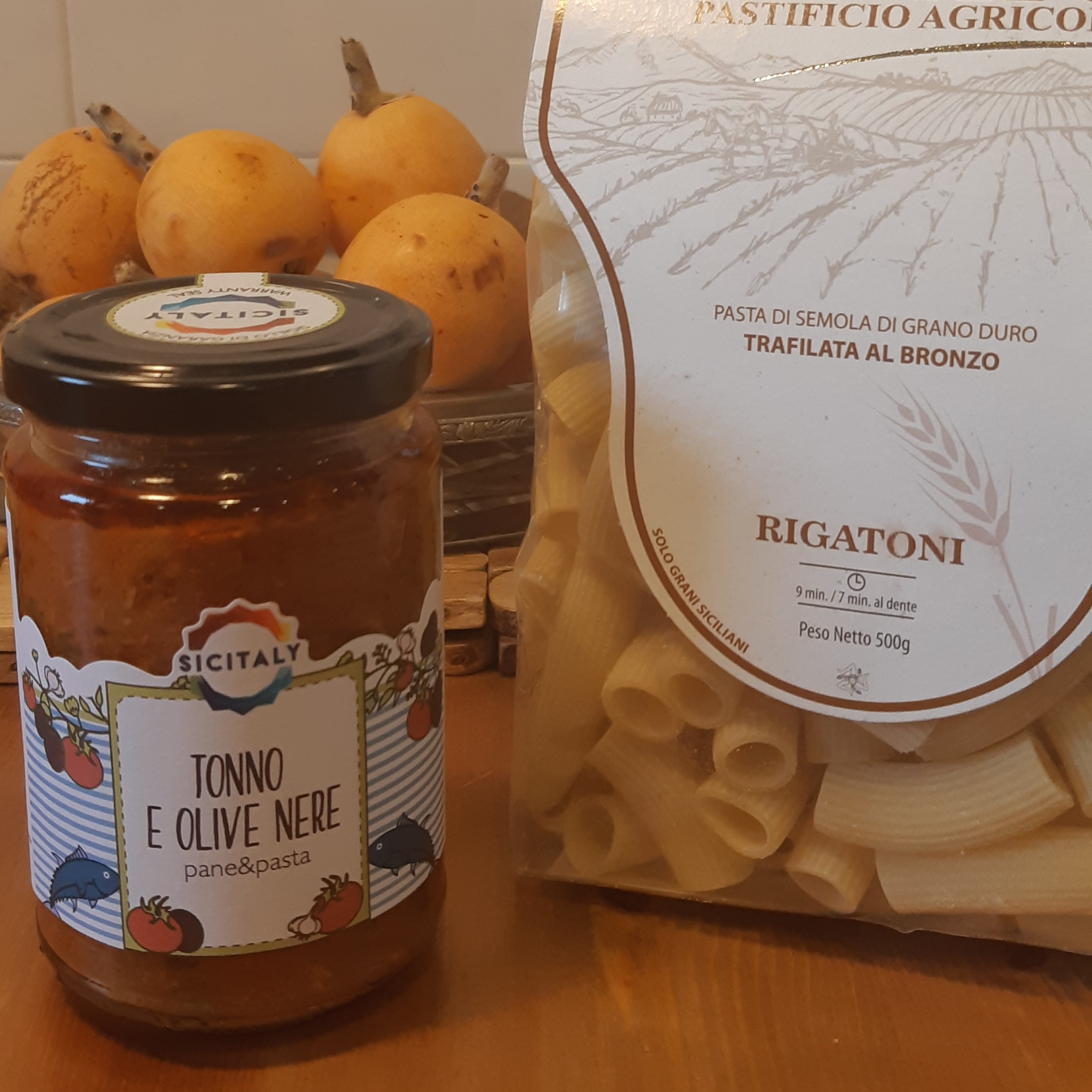 Тунец и черные оливки соус для макарон (Сицилия-Италия)