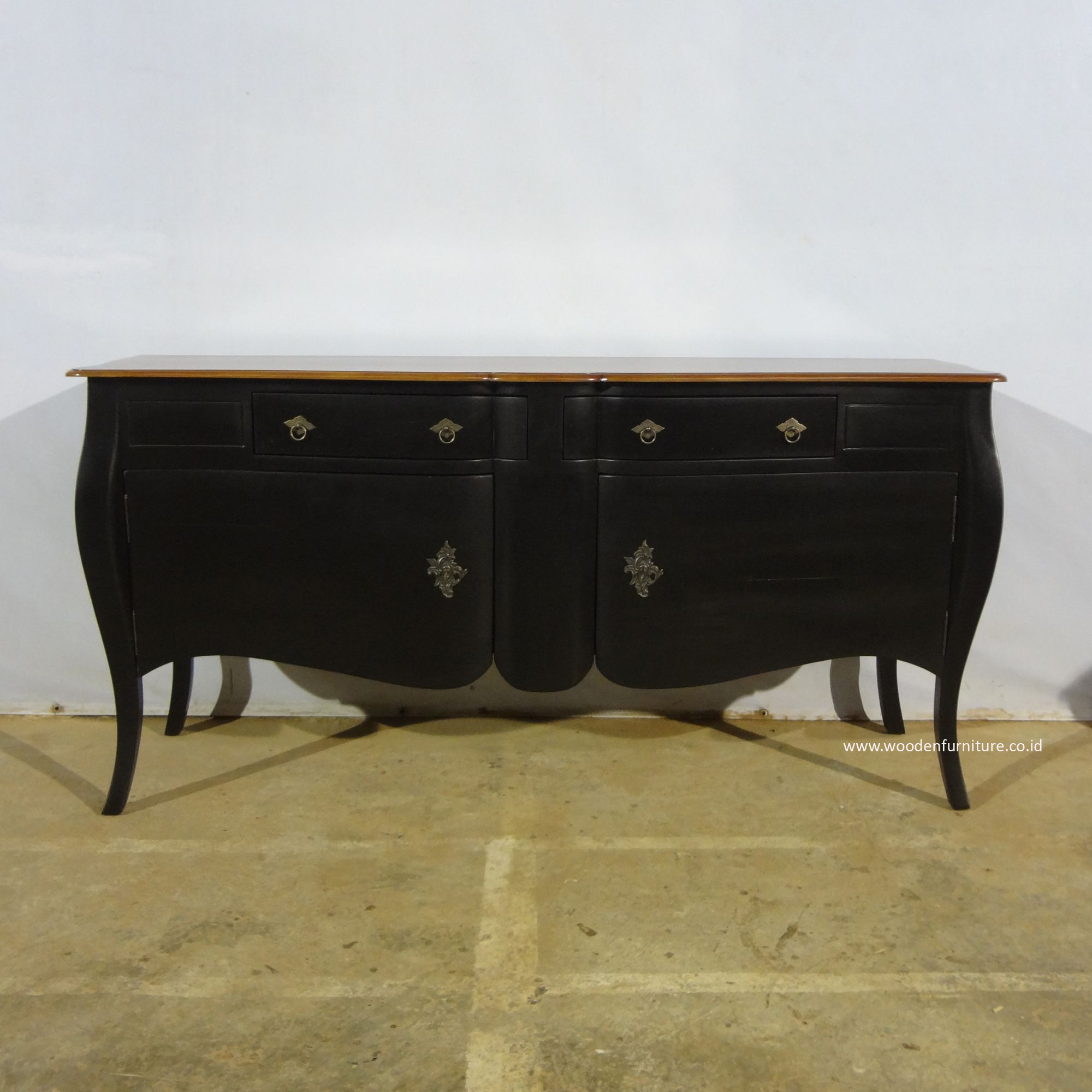 Picture of: Sideboard Buffet Cabinet French Style Furniture Mahogany Painted Furniture Antique Reproduction Wooden Furniture Buy Reproduction French Provincial Furniture Dining Room Furniture Sideboard Product On Alibaba Com