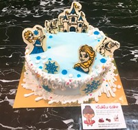 Edible Princess Elsa chocolate mold for decorating the cake