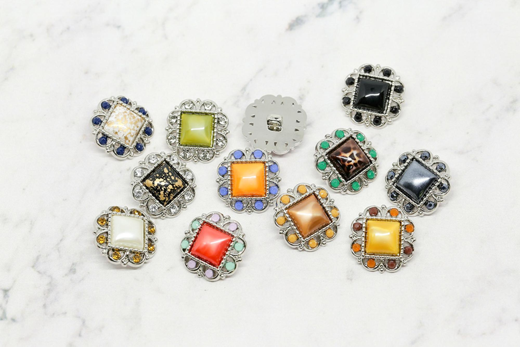 Wholesale Square Shape 144pcs/bag 21mm 25mm Rhinestone Buttons with Shank Sewing on for Accessory, Furniture or Clothes