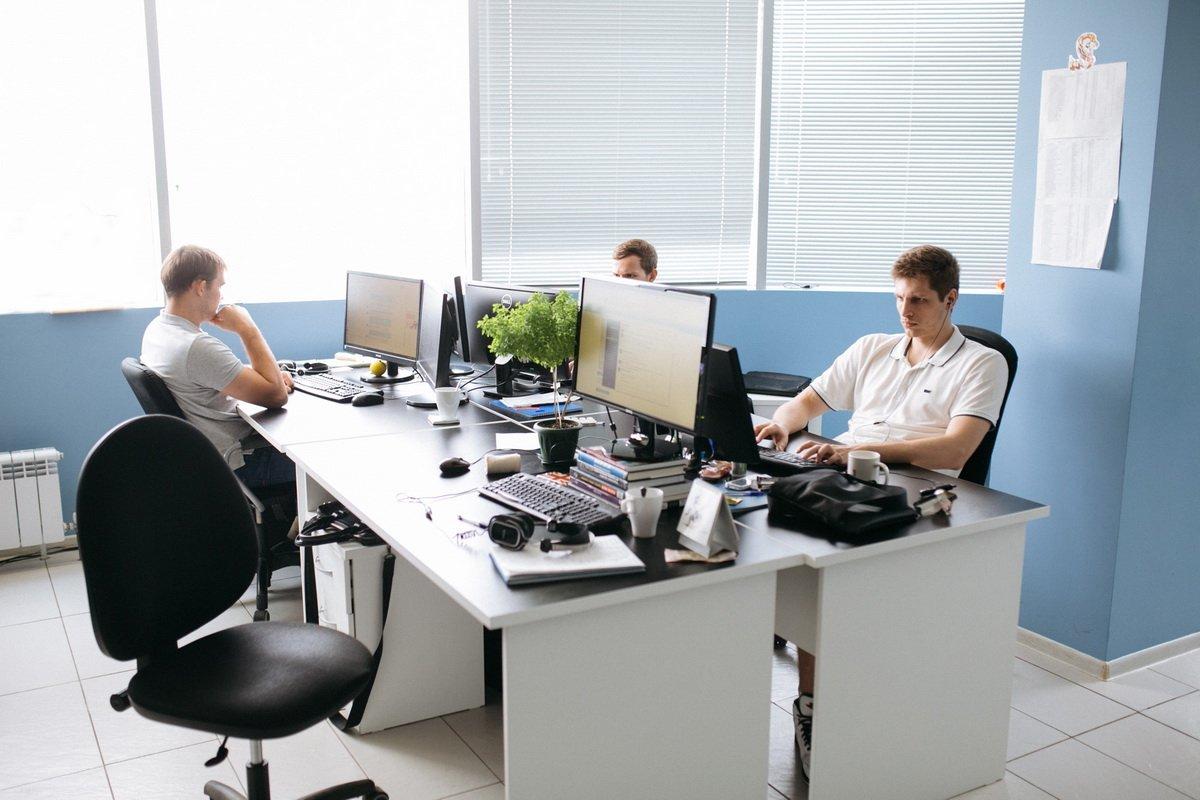 В Организациях В Офисах Магазинах