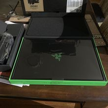 Atacado <span class=keywords><strong>Lâmina</strong></span> <span class=keywords><strong>Razer</strong></span> Gaming Laptop 2019 - i7 15-9750H 6 Core, geForce RTX 2080 Max-Q, 15.6 FHD 1080p 240Hz, 16 512 GB RAM SSD