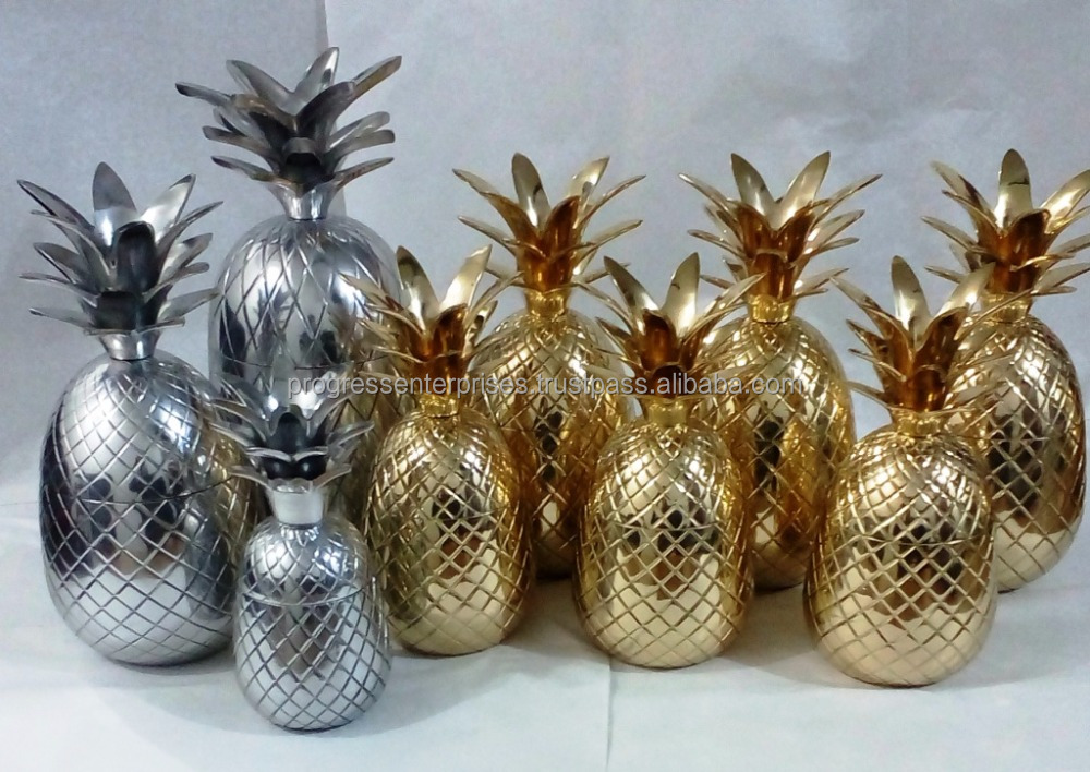 Gold Brass Pineapple for International Market and Vodka Cocktail Brand Promotion