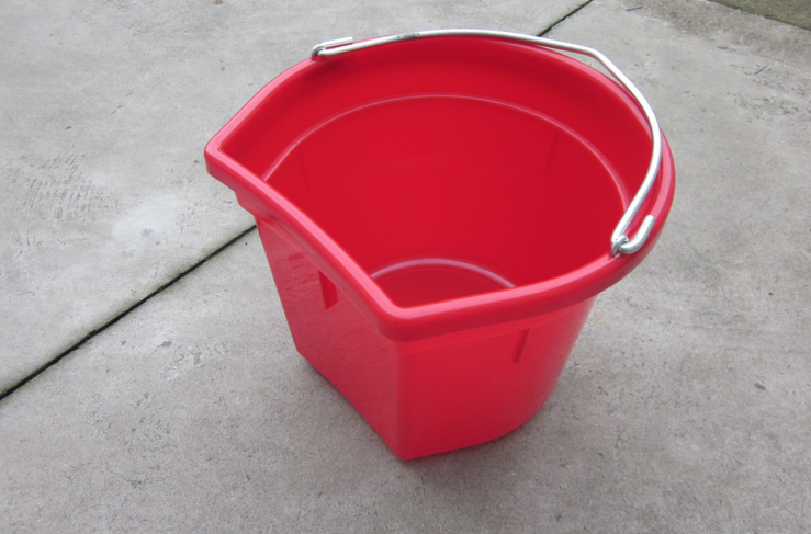 horse plastic feed bucket/barrel/tub (horse plastic feed bucket-A16)