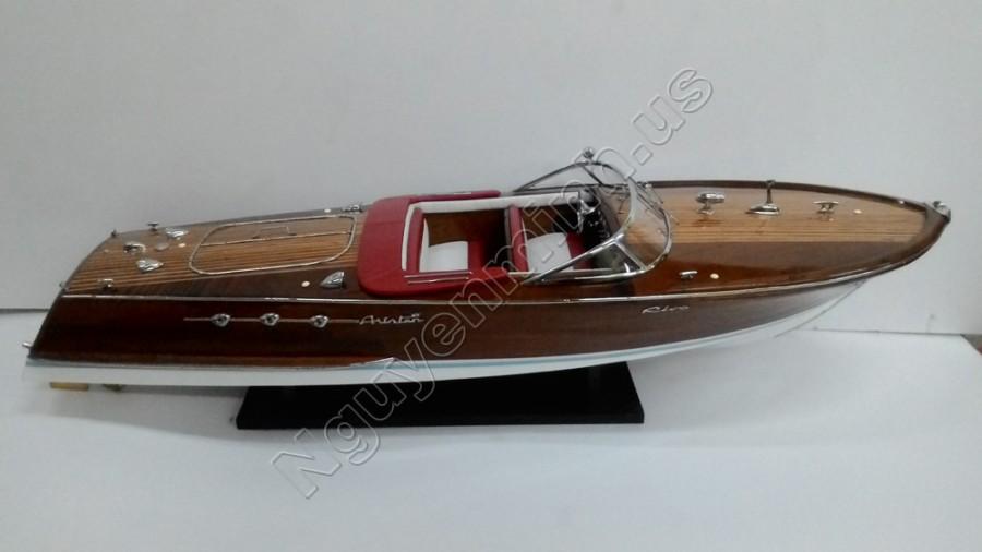 riva ariston super houten speedboot boot model. Black Bedroom Furniture Sets. Home Design Ideas