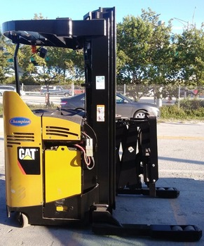 Caterpillar Used Forklift 3000 Lbs Electric Lift Truck