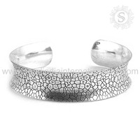 Exquisite 925 Silver Plain Bangle Wholesaler Silver jewellery Supplier