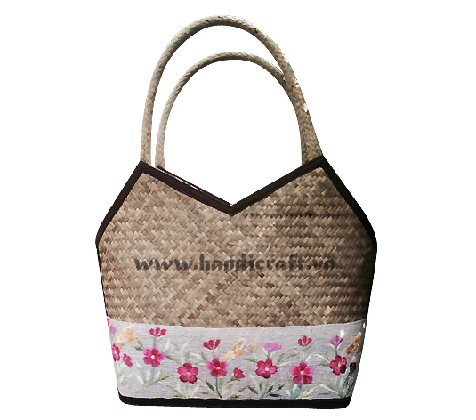 Natural sedge bags embroidered with beautiful flowers HB 3602